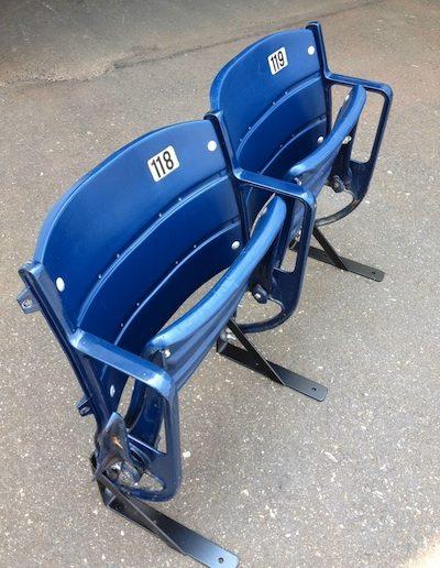 blueplasticchair