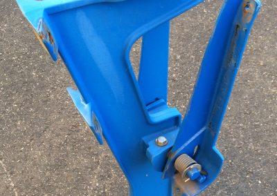 Blue Floor-Mount Middle Leg