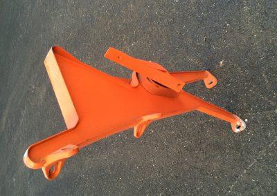 orange end  leg