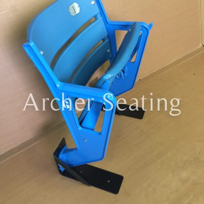 Yankee single seat row end with slat back
